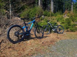 rower elektryczny ktm w górach